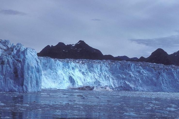 Columbia_glacier_ice
